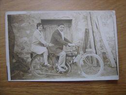 CARTE POSTALE PHOTO Postcard Motocyclette Homme Avec Femme MOTO - Motos