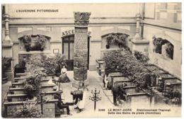 3366- Le Mont Dore - Etablissement Thermal Salle Des Bains De Pieds (Hommes) - L'Auvergne Pittoresque - Le Mont Dore