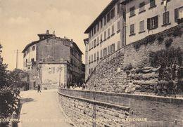 CORTONA - AREZZO - INGRESSO ALLA VIA NAZIONALE - BELLA ANIMAZIONE - 1966 - Arezzo