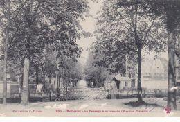 BELLEVUE LE PASSAGE A NIVEAU DE L'AVENUE MELANIE (dil475) - Unclassified