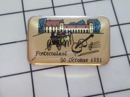 216b Pin's Pins / Beau Et Rare / THEME : MUSIQUE / CHATEAU PONTECOULANT 20 OCTOBRE 1991 CALECHE VIOLON - Musik