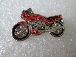PIN'S   MOTO GUZZI  750 - Motorräder