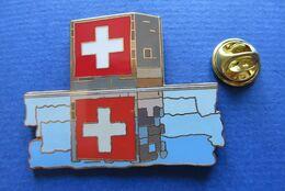 Pin's,EXPO 2002 SUISSE,KELLER FAHNEN AG,limitée Nr.049/2002,ARCHITEKTURE,PAVILLON,CROIX - Pin's & Anstecknadeln
