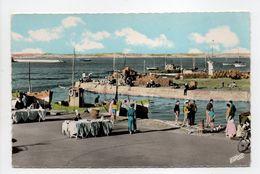 - CPSM LE CROISIC (44) - La Sortie Du Port (avec Marchande De Poisson) - Editions EUROP 2311 - - Le Croisic