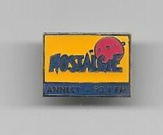 Pin's  Ville, Média, Radio  NOSTALGIE  ANNECY  93.1 FM  ( 74 ) - Medien
