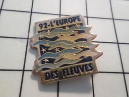 216c Pin's Pins / Beau Et Rare / THEME : AUTRES / 1992 L'EUROPE DES FLEUVES De Pognon ! Par G2M PUBLICITE - Pin's & Anstecknadeln