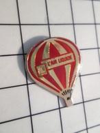 216c Pin's Pins / Beau Et Rare / THEME : MONTGOLFIERES / BALLON LIBRE L'AIR LIQUIDE ROUGE ET OR - Fesselballons