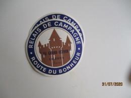 Lot De 2 Au Grand Ecuyer Cordes Hotel Etiquette Hotel Valise Luggage - Etiquettes D'hotels