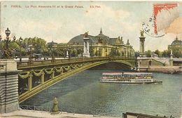 75 - PARIS -  Pont Alexandre III Et Le Grand Palais, Bateau Mouche  72 - Arrondissement: 08