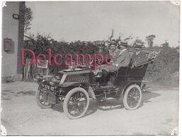 Photographie De 1904 à Guiberville - Officiers De Batterie Alpine Dans Voiture Automobile Ancienne - Automobiles
