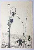 Foto Cromo Olimpiada De Los Ángeles. 1932. Nº 78. Atletismo. Salto  Pértiga. Hungría Peter Bacsalmasi. Hecho 1936 Berlín - Trading Cards