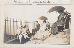 35 - SAINT LUNAIRE - Sur Les Rochers Du Décollé (carte Photo) - Saint-Lunaire