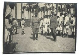 CLB185 - FOTO MILITARE SOLDATI WAR COLONIALE DIVISA 1930 CIRCA NON IDENTIFICATA CM 8,5 X CM 5,8 - War, Military