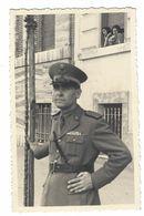 CLB193 - FOTO MILITARE SOLDATI WAR COLONIALE DIVISA 1930 CIRCA NON IDENTIFICATA CM 13,2 X 8,2 - War, Military