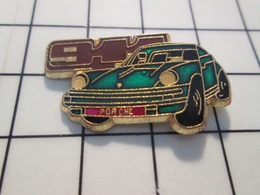 216c Pin's Pins / Beau Et Rare / THEME : AUTOMOBILES / PORSCHE 911 VERT BOUTEILLE - Porsche