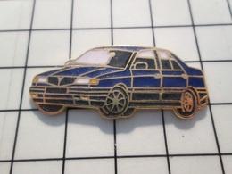 216c Pin's Pins / Beau Et Rare / THEME : AUTOMOBILES / GROSSE LANCIA BLEU MARINE - Pin