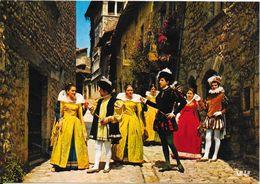 """Pérouges - Costumes Princiers Du XVIè Siècle - Groupe Culturel """"Les Damoiseaux"""" - Pérouges"""
