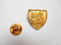 Superbe Pin's En Relief , Armée Militaire , Dragon , Avion - Militair & Leger