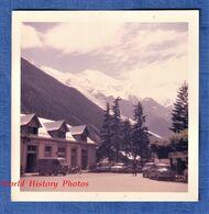 Photo Ancienne Snapshot - CHAMONIX - Batiment à Identifier - Gare ? - Camion Citroen Tub Automobile Mont Blanc Alpes - Automobiles