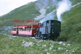 Reproduction D'unePhotographie D'un Train à Crémaillère BRB Brienz Rothorn Bahn Avec Passagers En Suisse En 1972 - Riproduzioni