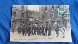 CPA LA VIE MILITAIRE INSPECTION DE LA GARDE ED P GILLET 1911 MILITAIRES SOLDATS  ED GILLET A CHAVANGES AUBE TROYES ? - Sonstige