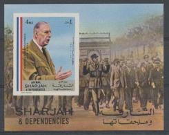 112a Charles De Gaulle - Sharjah N° 824a Non Dentelé (imperforate) Cote 10 Euros Arc De Triomphe - Sharjah