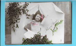 FANTAISIE---BONNE ANNEE--(  Fillette + Gui + Houx )---voir 2 Scans - Neujahr