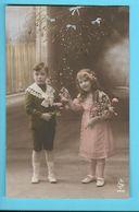 FANTAISIE---BONNE ANNEE--(  Fillette + Garçonnet + Gui + Fleurs )---voir 2 Scans - Neujahr