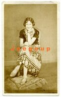 Photo Young Woman Girl Sitting Smiling 1929 Photographer Data - Persone Anonimi