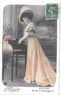 Femme Célèbre - Les Reines De La Mode - CORCIADE - Th De La Renaissance - Femmes Célèbres