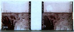WW1 - WWI - PHOTO STEREO SUR PLAQUE DE VERRE - TRANCHEE DE L'ARBRE AUX VACHES - MILITAIRE - ANIMEE - 10,6 X 4,4 Cm - Stereoscopio