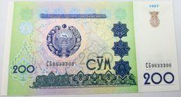 Billete Uzbekistan. 1997. 200 Sum. SC. Sin Circular. Posibilidad De Números Correlativos, Billete Sacado De Un Taco - Uzbekistán