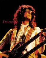 Grande Photographie Originale : Jimmy Page De Led Zeppelin Vers 1970 Et Sa Double Guitare - Persone Identificate