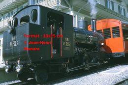 Reproduction D'unePhotographie D'une Vue D'une Locomotive à Vapeur VRB 16 à Crémaillère à Rigi En Suisse En 1972 - Riproduzioni