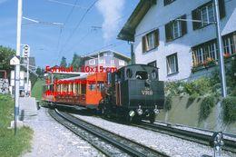 Reproduction D'unePhotographie D'un Train à Vapeur VRB 16 à Crémaillère Circulant à Rigi En Suisse En 1972 - Riproduzioni