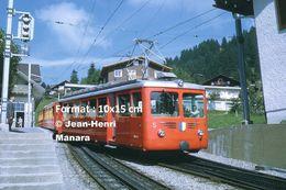Reproduction D'unePhotographie D'un Train VRB à Crémaillère Circulant à Rigi En Suisse En 1972 - Riproduzioni