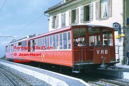 Reproduction D'unePhotographie D'une Vue D'un Train VRB Chemin De Fer à Crémaillère à Rigi En Suisse En 1972 - Riproduzioni