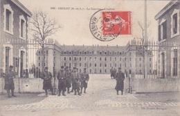 49 - CHOLET - ENTREE DE LA CASERNE  1911 - MILITAIRE  REGIMENT - Cholet
