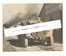 "Photo ORIGINALE - Guerre 40/45 -  1 Ere US ARMY .- Recherche De "" Snipers "" Allemands à WELLERSEN ( Cassel) En 1945 - 1939-45"
