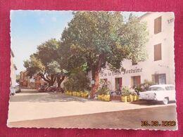 CPSM GF - La Garde-Freinet - La Place Vieille (Auberge De La Claire Fontaine) - La Garde Freinet