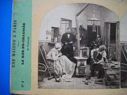 Photo Stéréoscopique  .une Maison à Paris . Le Rez-de-chaussée . Le Concierge . - Photographs
