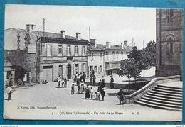 CPA - QUINSAC (Gironde) Un Côté De La Place (animée) - Autres Communes