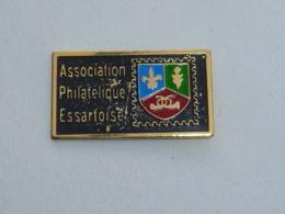Pin's ASSOCIATION PHILATELIQUE ESSARTOISE - Verenigingen