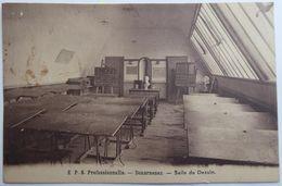 E.P.S. Professionnelle. - Douarnenez. - Salle De Dessin - Douarnenez