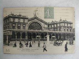 FERROVIAIRE - Gare - PARIS - Gare De L'Est (très Animée) - Gares - Sans Trains
