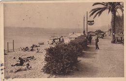 06. JUAN LES PINS. CPA SEPIA. RARETE. LE BAIN DE SOLEIL .ANIMATION. ANNEE 1930 + TEXTE - Antibes