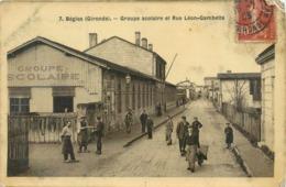 CPA 33 Gironde BEGLES Groupe Scolaire Et Rue Léon Gambetta - état - Autres Communes