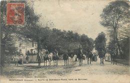CPA 33 Gironde Montussan Route De Bordeaux - Paris Cote De Beychac - Chevaux - Cavaliers - état - Militaria - Autres Communes