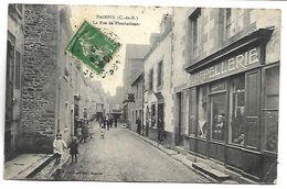PAIMPOL - La Rue De Ploubazlanec - Paimpol