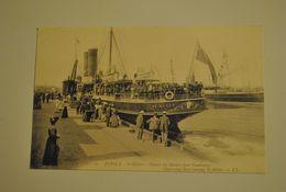 Jersey St Helier Depart Du Bateau Pour Guernesey / Guernesey Boat Leaving St Helier - Jersey